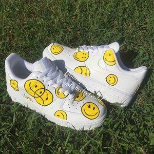 Custom Nike  Air Force 1 smiley yellow